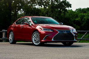 2021 Lexus ES Review: Luxury On A Budget
