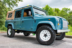 These Restomod Land Rover Defenders Epitomize Old-School-Cool