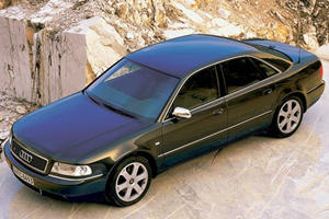 Screen Cars: Audi S8