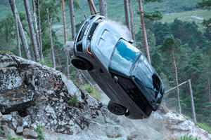 Watch A Range Rover Sport SVR Roll Over In Spectacular James Bond Stunt