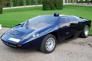 Ultra-Rare Isdera Imperator Emerges For Some Track Time