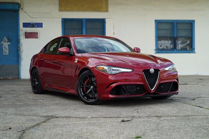 Alfa Giulia Qv >> 5 Reasons The Alfa Romeo Giulia Qv Is The Top Sports Sedan