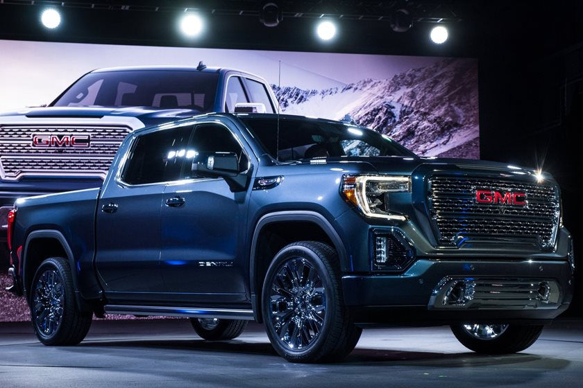 2019 Gmc Sierra Unveiled With Exclusive Carbon Fiber Bed
