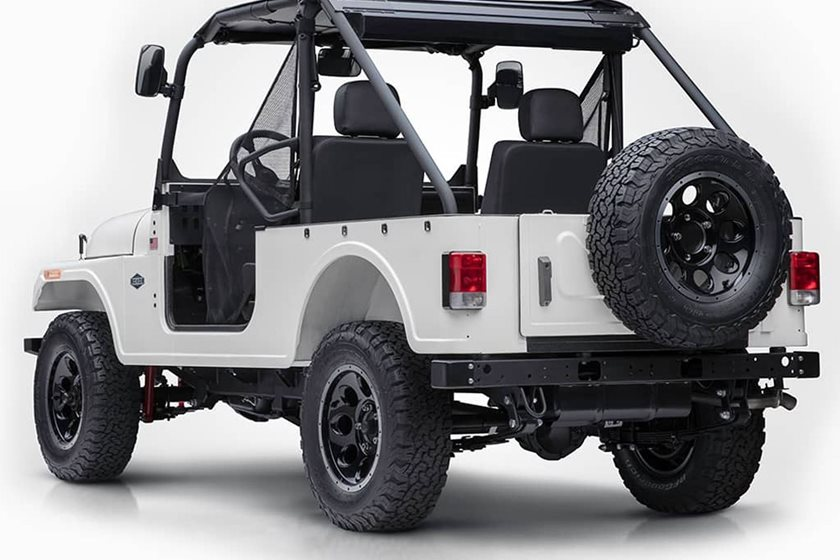 Mahindra Roxor Is One Bad Ass Mini Jeep But Theres A Catch Carbuzz