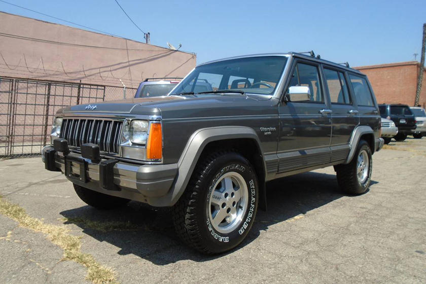Weekly Craigslist Hidden Treasure: 1988 Jeep Cherokee (With A Manual