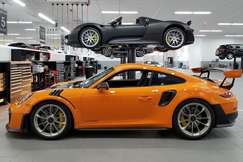 GT3 1 of 200 voodoo blau Porsche 911 991 car.tima EXCLUSIVE Minichamps
