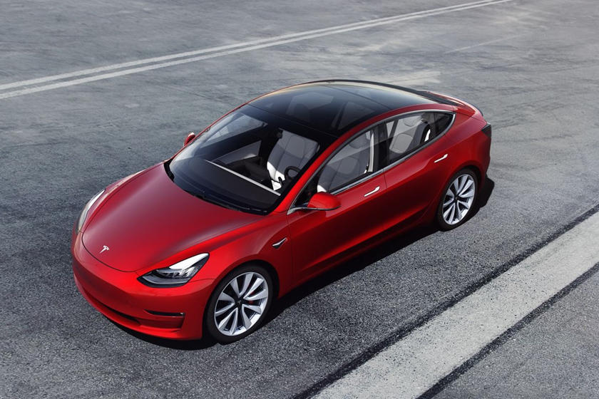 Thief Uses Smartphone To Steal A Tesla From Mall Parking ...