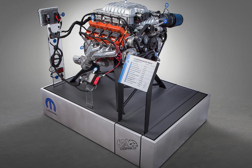 Mopar Did Something Naughty With A Hellcat V8 Crate Engine
