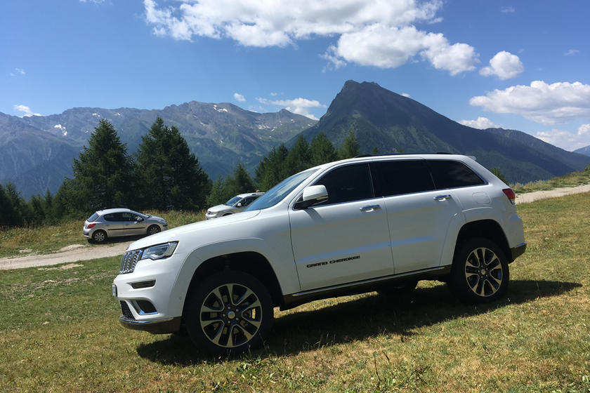 2021 Jeep Grand Cherokee Three-Row And Engine Updates >> 2021 Jeep Grand Cherokee Coming With Three Rows Carbuzz