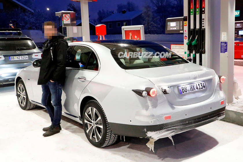 Spied 2020 Mercedes E Class Stops For Fuel Carbuzz