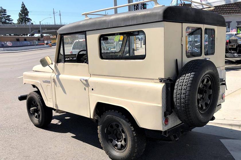 Weekly Craigslist Hidden Treasure: 1966 Nissan Patrol | CarBuzz