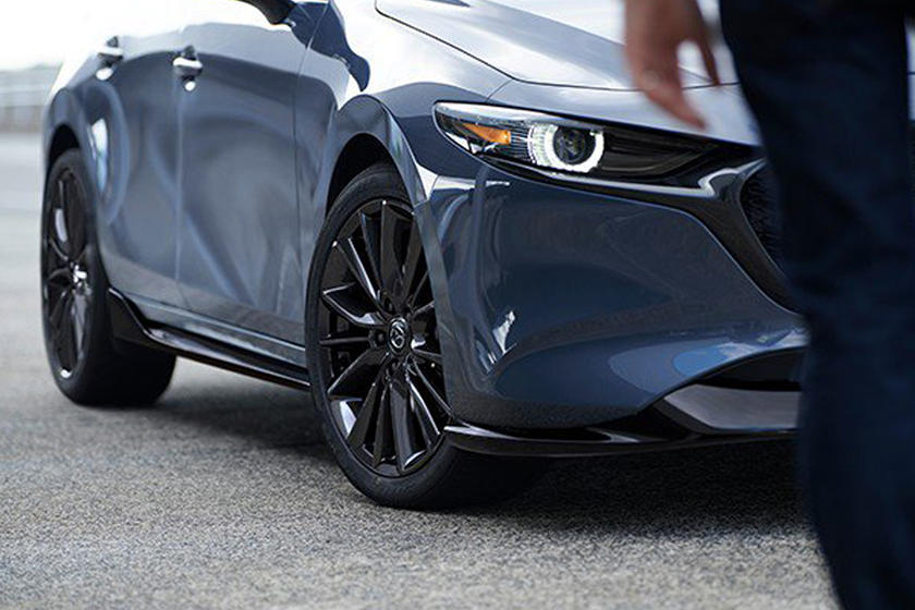 Check Out The Mazda MX-5 Miata's Removable Carbon Fiber