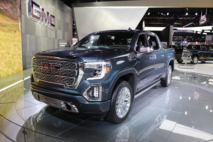 Gmc Vs Chevy >> Here S Why Chevy And Gmc Are Two Very Different Truck Companies