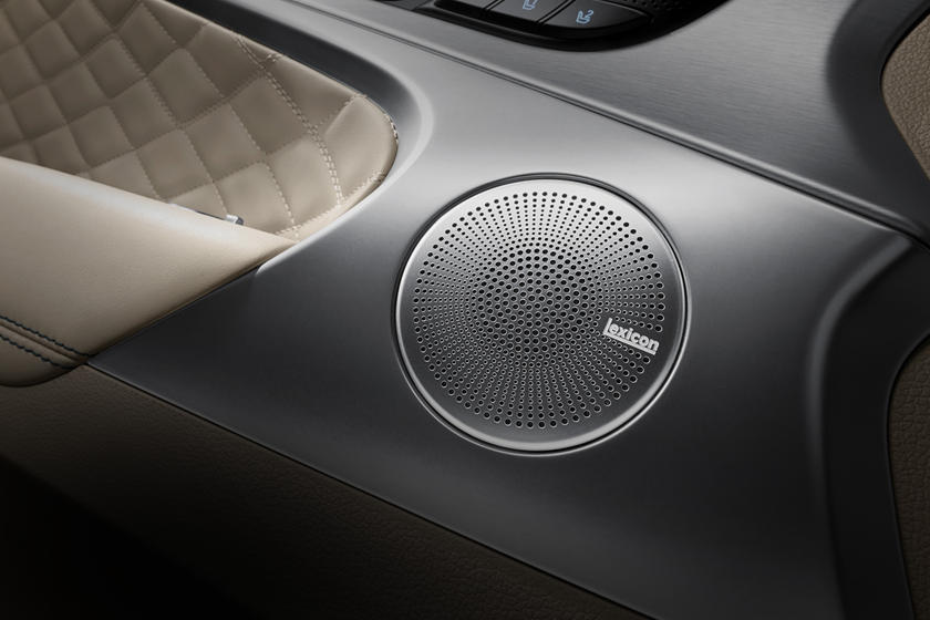 Best In-Car Audio Systems From The Factory | CarBuzz on