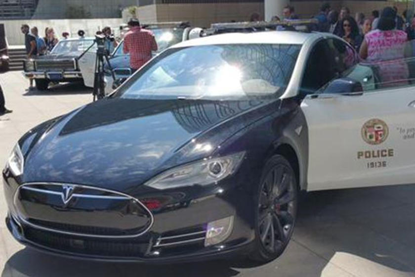Police Swap Dodge Charger For Tesla Model S | CarBuzz