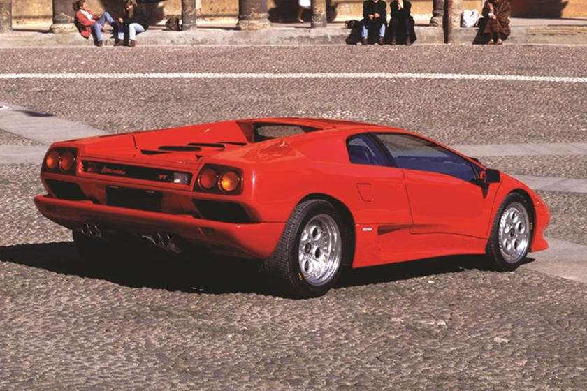 Lamborghini Wants To Celebrate Countach And Diablo Carbuzz