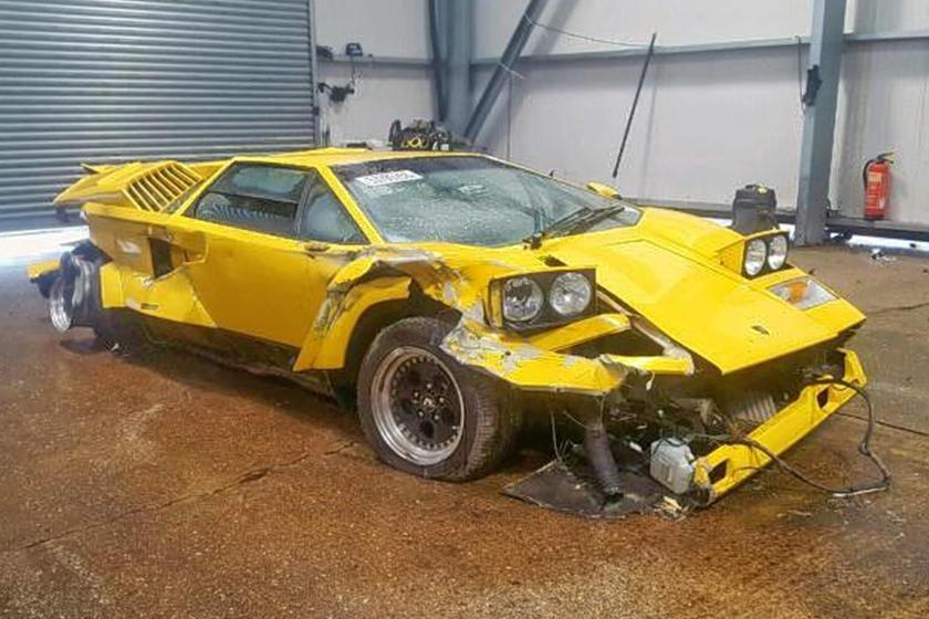 This Lamborghini Countach Had A Terrible Day Carbuzz