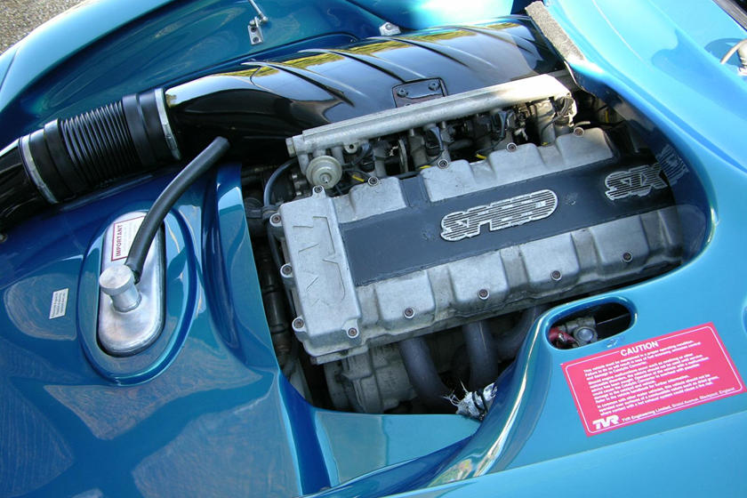 Legendary Straight-Six Engines | CarBuzz