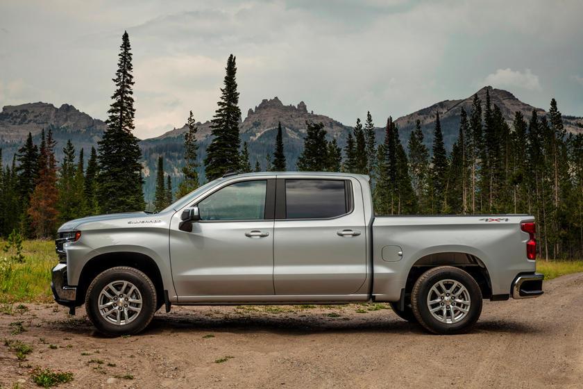 Want A Chevrolet Silverado 1500 Diesel? You Should Read This | CarBuzz