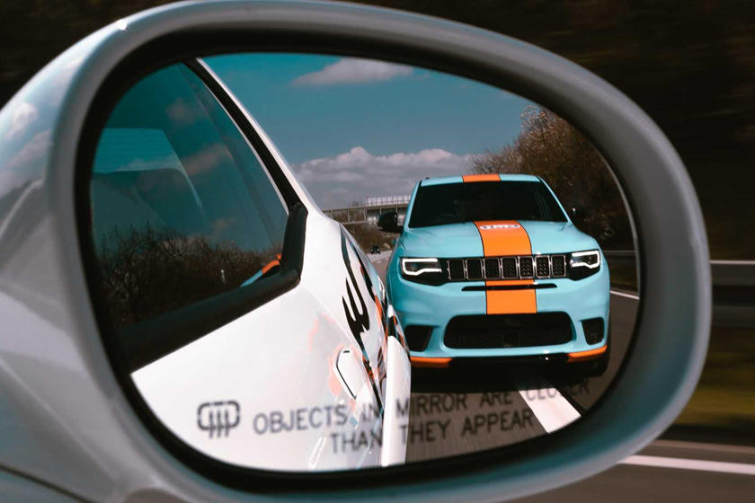 This Jeep Trackhawk Is Faster Than A Bentley Bentayga Speed