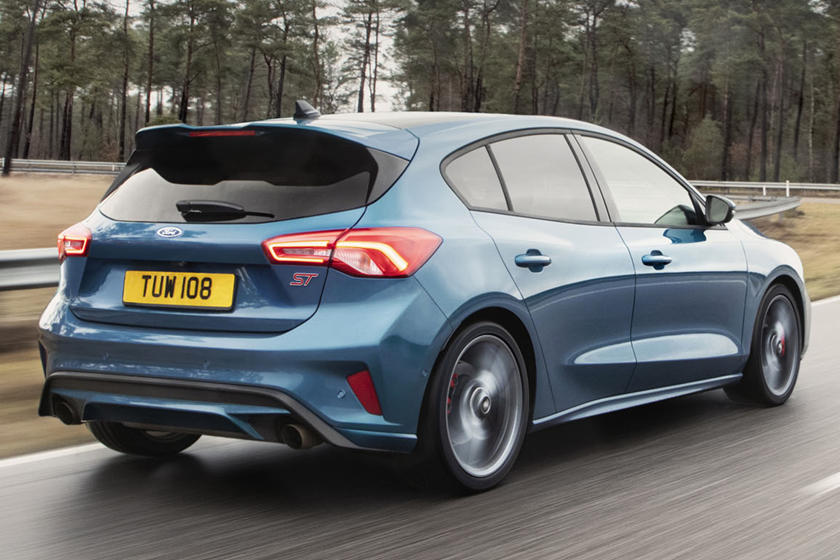 New Ford Focus St S 0 60 Mph Time Is Absolutely Stellar Carbuzz