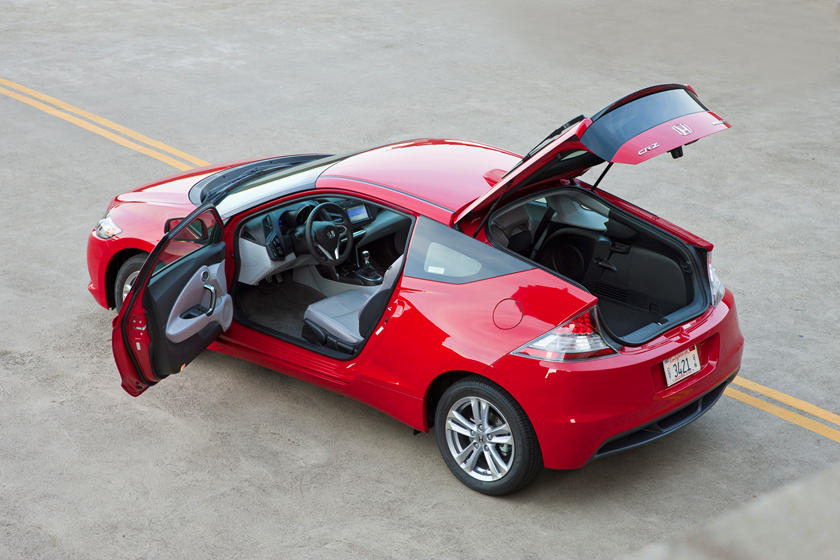 the honda cr z is the funky and frugal hatchback you forgot about carbuzz the honda cr z is the funky and frugal