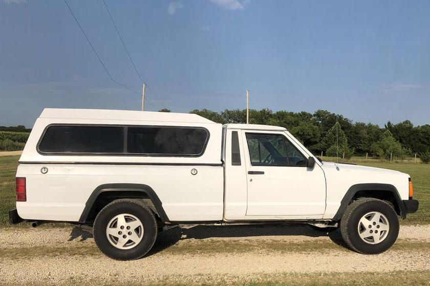 Weekly Craigslist Hidden Treasure: 1991 Jeep Comanche | CarBuzz
