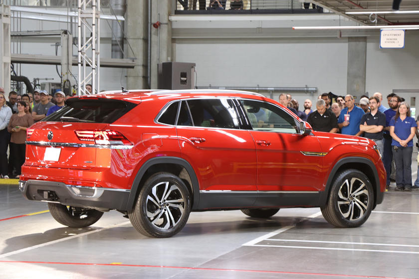 Presenting The New 2020 Volkswagen Atlas Cross Sport