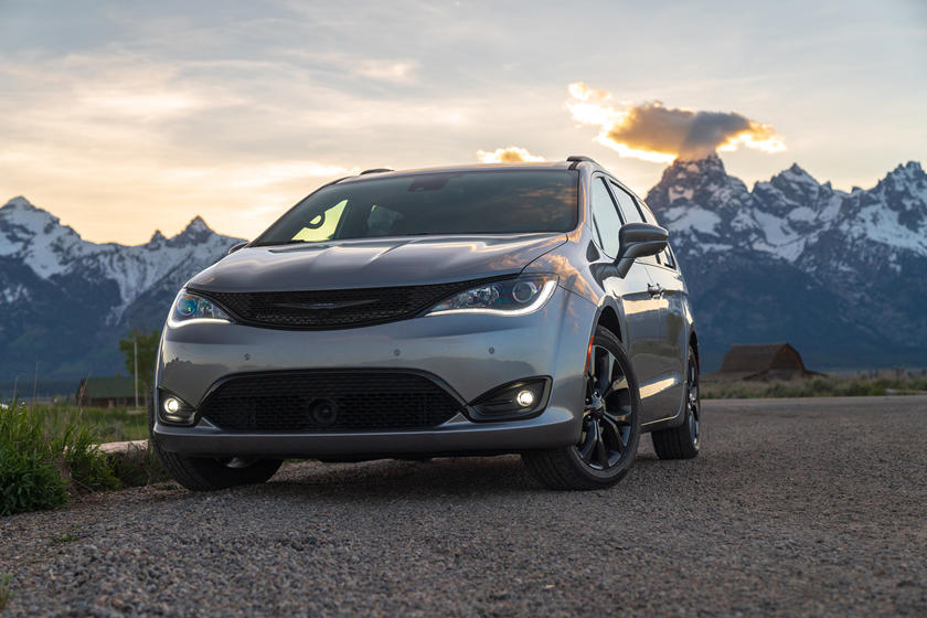 2020 Chrysler Pacifica Red S Edition Is A 3 995 Bargain