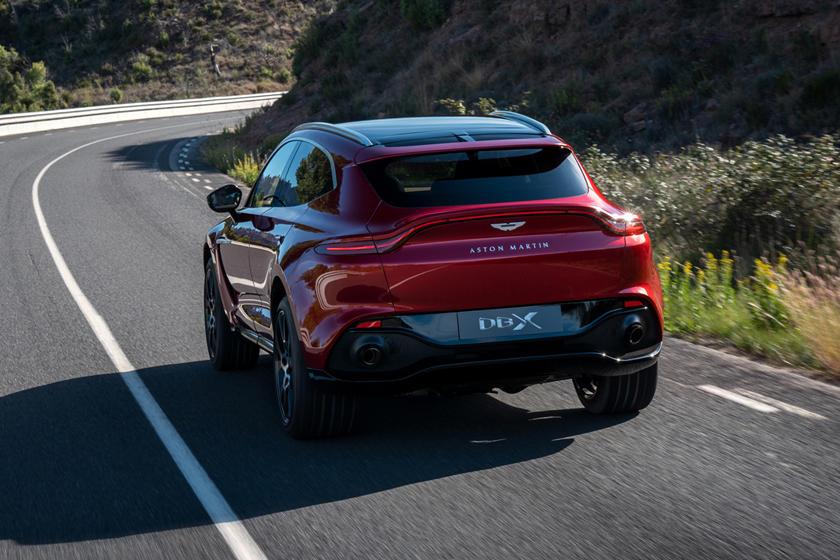 Aston Martin Dbx Vs Lamborghini Urus How Do They Compare Carbuzz