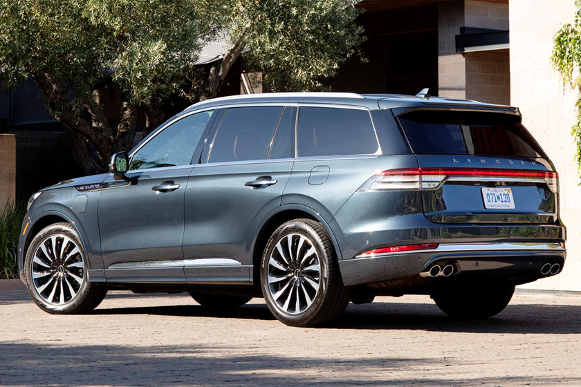 Lincoln Developing New Electric Suv On Rivian Tech Carbuzz