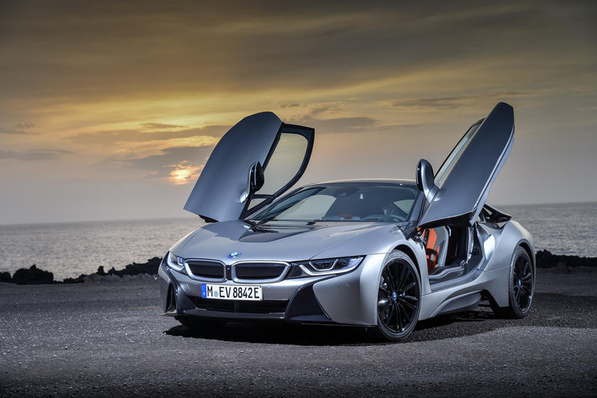 Bmw Takes A Unique Approach To Electric Cars Carbuzz
