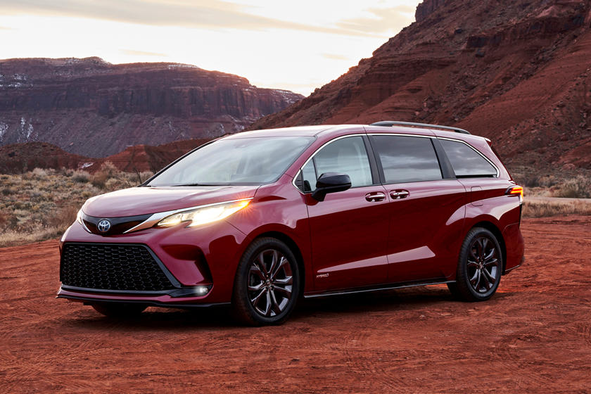 2021 Toyota Sienna Debuts With Bold New Design And Hybrid Tech ...