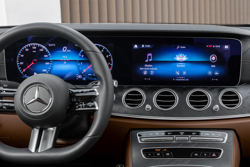 Take A Look Inside The 2021 Mercedes E-Class Coupe And ...
