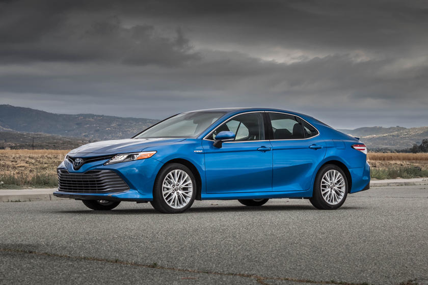 2020 Toyota Camry Hybrid Review Trims Specs Price New Interior Features Exterior Design And Specifications Carbuzz