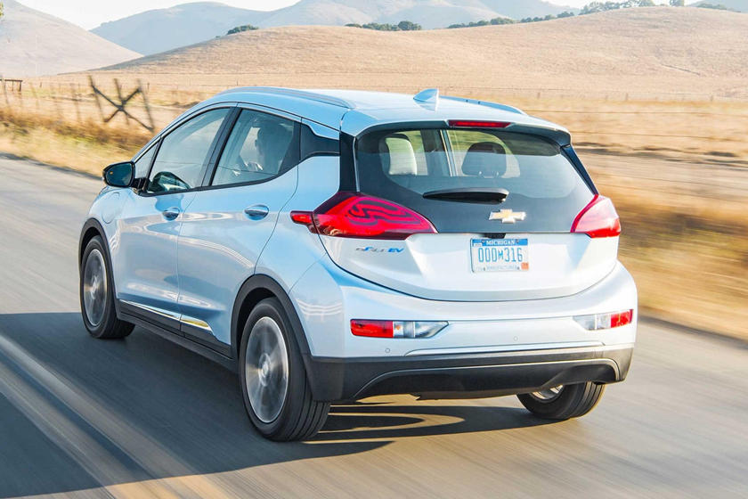 Chevrolet Is Practically Giving Away Bolt Evs Carbuzz
