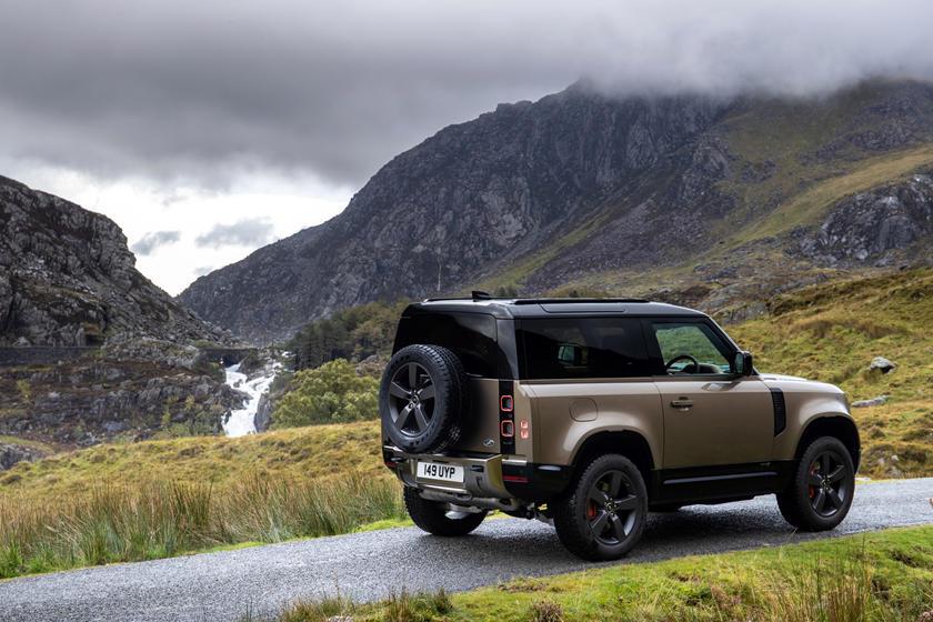 """Land Rover Akan Luncurkan """"Baby"""" Defender Pada Tahun 2022?"""