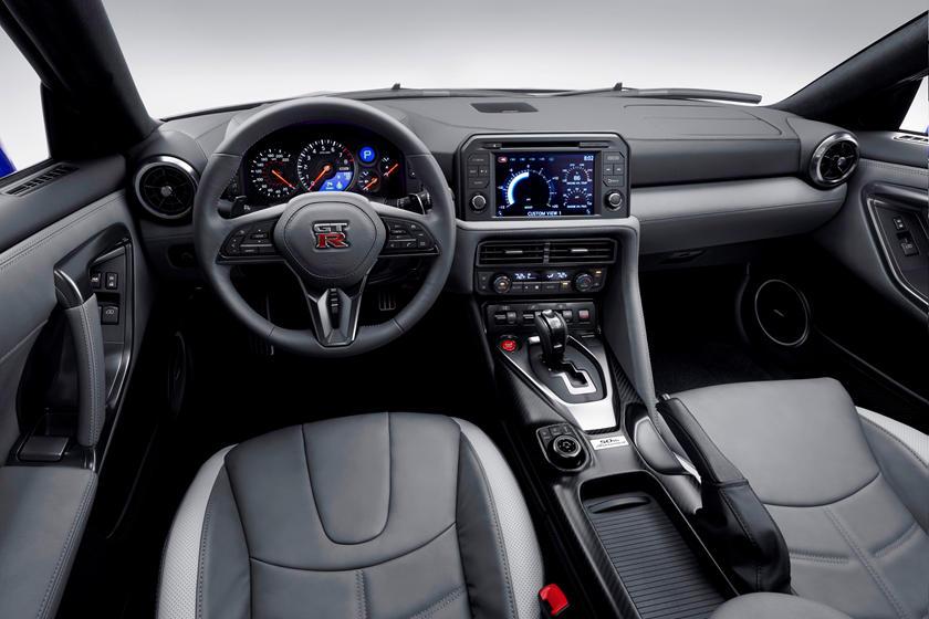 Tableau de bord Nissan GT-R 2020-2021