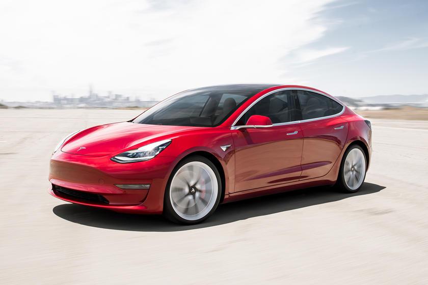 2017-2021 Tesla Model 3 Vue avant Conduite