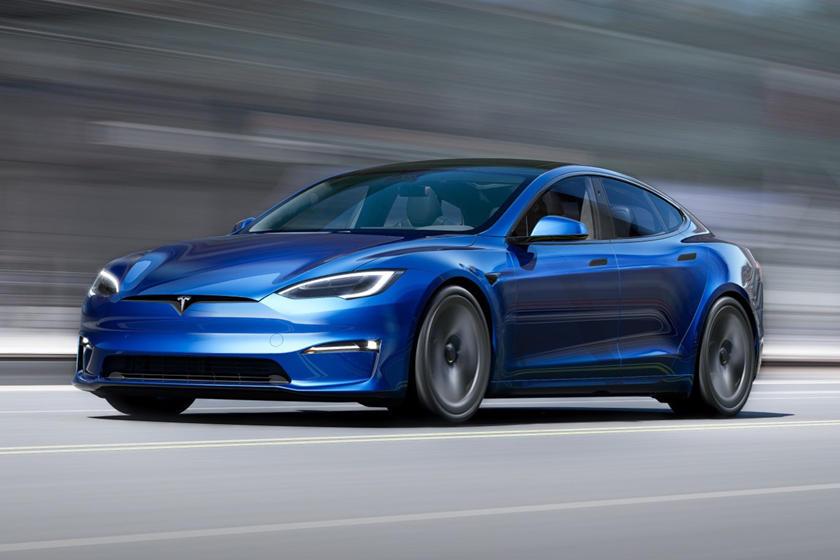 2021 Tesla Model S Plaid Angle avant de conduite