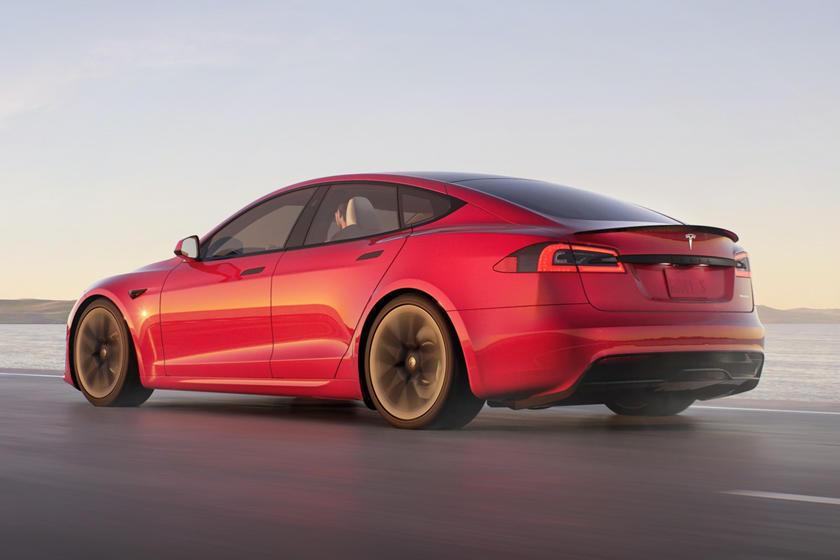 2021 Tesla Model S Plaid Vue arrière conduite