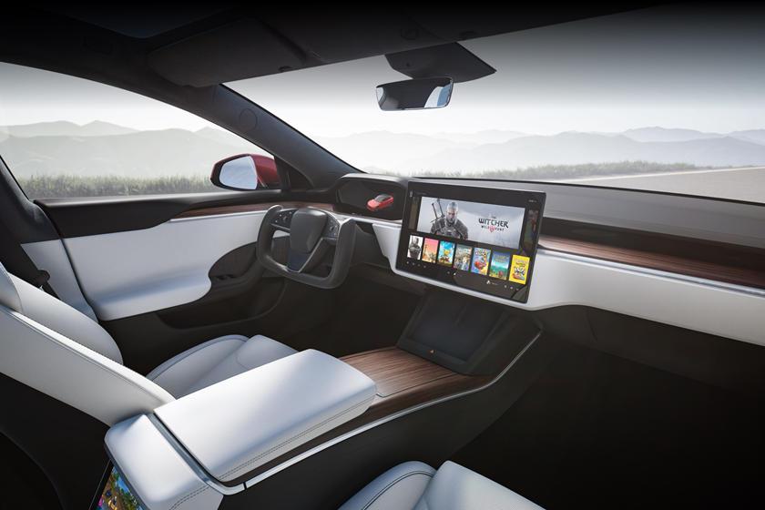 2021 Tesla Model S Plaid Central Control Panel