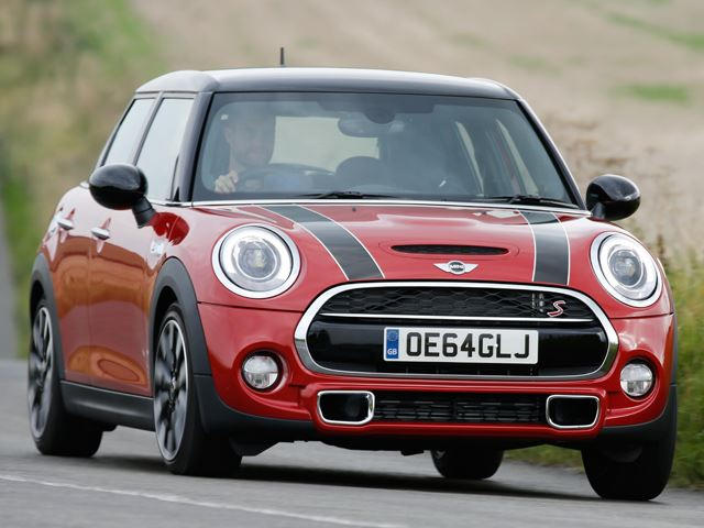 Is The New Mini Cooper 5 Door A Worthy Clubman Replacement Carbuzz