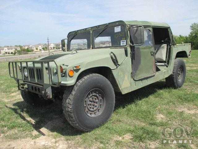 Military Surplus Auction >> Owning A Us Military Surplus Humvee Has Become A Huge Pain In The