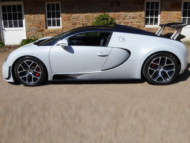 A One-Off Bugatti Veyron Grand Sport Vitesse Is Up For Sale | CarBuzz