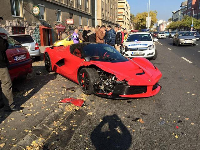 Ferrari Laferrari Owner Has 1 4 Million Reasons To Be Annoyed About This Crash Carbuzz