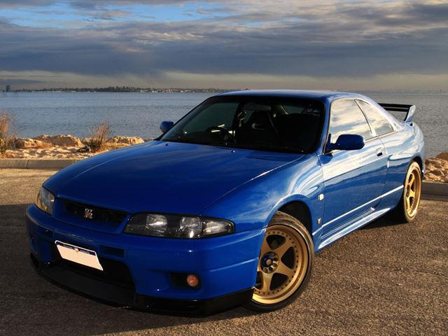 Nissan Gtr R33 >> Nissan Skyline Gt R Legacy The R33 Had One Hell Of A Heavy