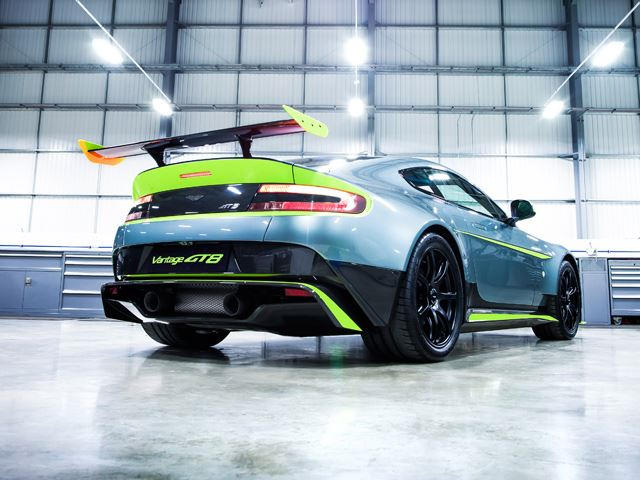 This Is The Aston Martin Vantage Gt8 The Most Extreme V8 Vantage Ever Carbuzz