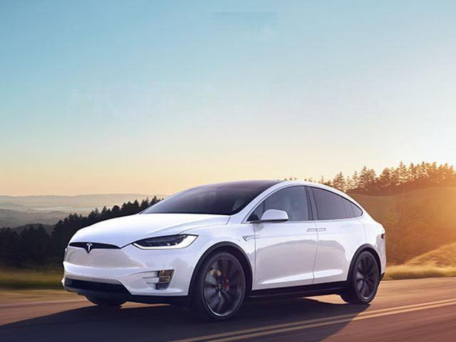 Tesla Model X Using Autopilot Collides With Phoenix Police