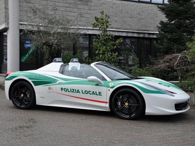 Italian Police Transform Mafia S Ferrari 458 Spider Into Cop Car Carbuzz